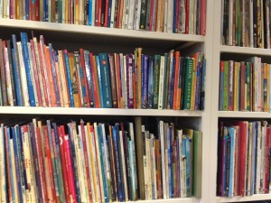 library_books _